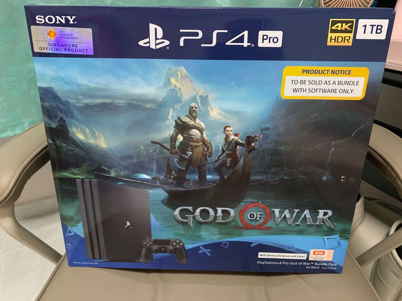 Bon Plan AMAZON : Bundle PS4 PRO 1 To + God Of War à 340,23 euros !
