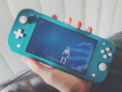 06-04-2020-flash-bon-plan-nintendo-switch-lite-turquoise-agrave-199-euros-lieu-229